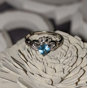 14k White Gold Claddaugh Ring